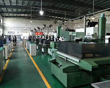 Large lathe processing features